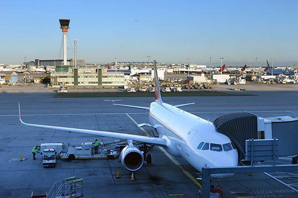 Top UK airports announce expansion plans and record passenger growth