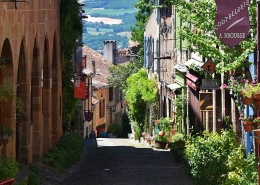 image of popular uk expat village in france